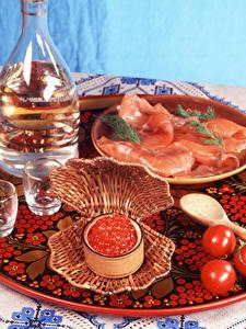 Fotos Meeresfrüchte Caviar Tomate Schinken Wodka