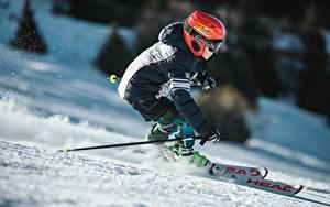 Fotos Skisport Winter Schnee Helm Bewegung Jungen Jacke sportliches