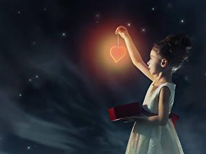Wallpapers Sky Little girls Night Heart Dress Children