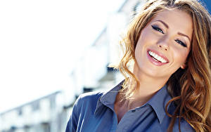 Hintergrundbilder Lächeln Braunhaarige Haar Model Mädchens
