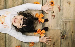 Bilder Lächeln Hand Schleife Kleine Mädchen Kinder