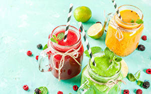 Hintergrundbilder Smoothie Himbeeren Brombeeren Limette Farbigen hintergrund Einweckglas Drei 3 das Essen