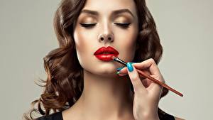 Image Face Makeup Paintbrush Red lips Brown haired Gray background Sofia Zhuravets female