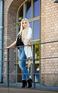 Fotos Blondine Pose Starren Jeans Soraya, Miss Germany 2017