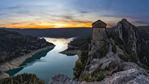 Fotos Spanien Gebirge Abend Kirchengebäude Fluss Felsen Mare de Deu de la Pertusa, Catalonia Natur