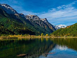 Hintergrundbilder Spanien Berg See Wald Pirineos