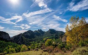 Hintergrundbilder Spanien Gebirge Himmel Bäume Wolke Berga, Catalonia