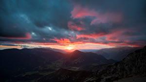Hintergrundbilder Spanien Gebirge Sonnenaufgänge und Sonnenuntergänge Wolke Pedraforca, Catalonia