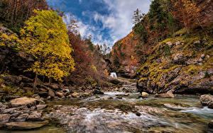Fotos Spanien Parks Herbst Berg Stein Fluss Bäume Monte Perdido National Park