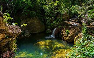 Hintergrundbilder Spanien Steine Felsen Bach Bäume