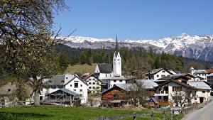 Desktop hintergrundbilder Frühling Kirche Haus Schweiz Ast  Städte