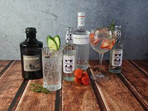 Bilder Stillleben Beere Erdbeeren Cocktail Flaschen Weinglas