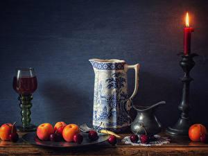 Hintergrundbilder Stillleben Kerzen Wein Aprikose Kirsche Wand Kanne Weinglas Lebensmittel