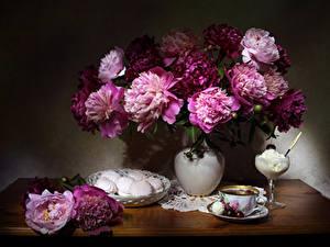 Desktop hintergrundbilder Stillleben Pfingstrosen Zefir Speiseeis Tee Kirsche Vase Tasse Blüte