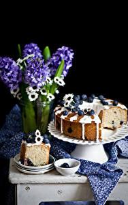 Hintergrundbilder Stillleben Keks Heidelbeeren Hyazinthen Schwarzer Hintergrund das Essen