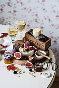 Fotos Stillleben Wein Echte Feige Powidl Oliven Käse Weinglas Einweckglas