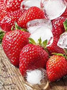 Fotos Erdbeeren Nahaufnahme Eis Lebensmittel