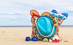 Hintergrundbilder Sommer Handtasche Muscheln Strände Sand Der Hut Flipflop Brille