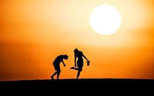 Bilder Sonnenaufgänge und Sonnenuntergänge Silhouette Zwei Sonne