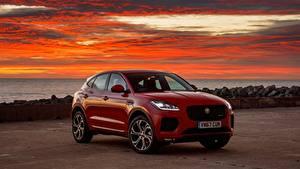 Bilder Sonnenaufgänge und Sonnenuntergänge Jaguar Rot Softroader E-Pace, R-Dynamic First Edition, UK-spec, 2017 Autos