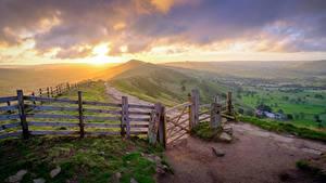 Bilder Sonnenaufgänge und Sonnenuntergänge Park England Zaun Gras Hügel Horizont Peak-District national Park, Derbyshire Natur