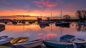 Bilder Sonnenaufgänge und Sonnenuntergänge Fluss Boot England River Avon, Dorset County Natur