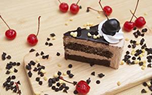 Hintergrundbilder Süßware Torte Kirsche Schokolade Schalenobst Schneidebrett Stück Lebensmittel