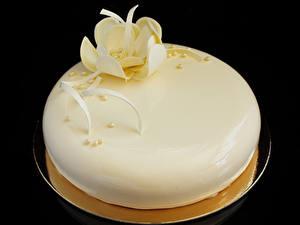 Fotos Süßigkeiten Torte Schokolade Schwarzer Hintergrund Design Weiß Lebensmittel