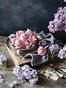 Hintergrundbilder Süßware Flieder Zefir Schmetterling Bretter das Essen Blumen