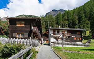 Hintergrundbilder Schweiz Gebäude Dorf Zaun village Randa Städte