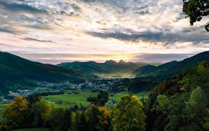 Desktop hintergrundbilder Schweiz Gebirge See Himmel Ein Tal Bäume Alpen Lake Lauerz, Arth-Goldau Natur
