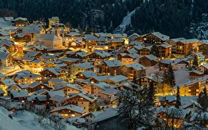 Fotos Schweiz Winter Gebäude Nacht Dach Schnee Von oben Canton of Grisons Städte