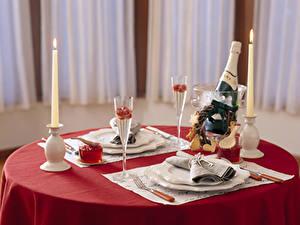 Hintergrundbilder Tischdecke Servieren Kerzen Flamme Champagner Tisch Teller Gabel Flasche Weinglas
