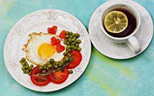 Bilder Tee Tomate Grüne Erbsen Frühstück Teller Spiegelei Tasse Herz Untertasse Lebensmittel