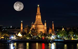 Bilder Thailand Bangkok Tempel Flusse Schiffsanleger Nacht Mond Lichtstrahl Wat Arun temple Städte