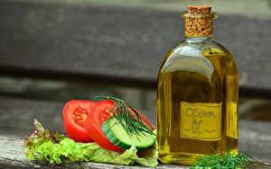 Hintergrundbilder Tomaten Gurke Bokeh Flasche Öle Geschnitten das Essen