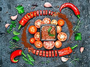 Hintergrundbilder Tomate Knoblauch Gewürze Chili Pfeffer Grauer Hintergrund Ketchup Lebensmittel