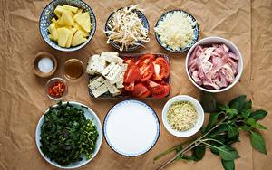Fotos Tomate Fleischwaren Käse Gewürze Teller Geschnittenes