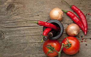 Hintergrundbilder Tomate Zwiebel Chili Pfeffer Bretter Mörser und Stößel Lebensmittel