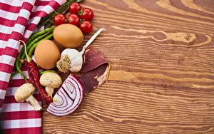 Fotos Tomate Zwiebel Knoblauch Chili Pfeffer Pilze Schinken Ei Spargel