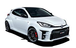 Fotos Toyota Weiß Metallisch Weißer hintergrund GR Yaris RZ High Performance, JP-spec, 2020 Autos