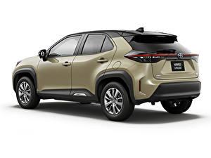 Bilder Toyota Softroader Metallisch Weißer hintergrund Yaris Cross Hybrid G, JP-spec, 2020 auto