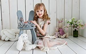 Hintergrundbilder Spielzeuge Bretter Kleine Mädchen Sitzt Kinder