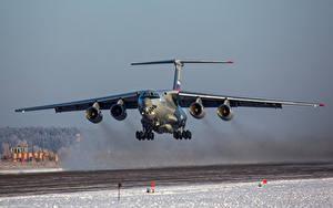 Hintergrundbilder Transportflugzeuge Winter Schnee Start Luftfahrt Russische Il-76MD-90A Luftfahrt