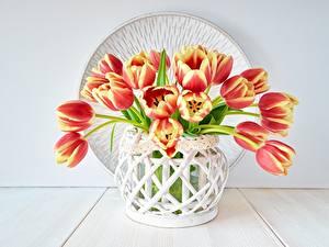 Fotos Tulpen Blumensträuße Vase