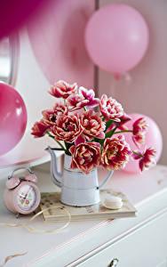 Desktop hintergrundbilder Tulpen Uhr Wecker Unscharfer Hintergrund Vase Luftballon Blumen