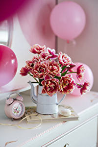 Desktop wallpapers Tulips Clock Alarm clock Blurred background Vase Toy balloon Flowers