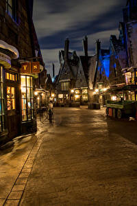 Bilder USA Disneyland Parks Gebäude Kalifornien Anaheim Design Straße Nacht Straßenlaterne