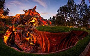 Fotos USA Disneyland Park Haus Abend Kalifornien HDRI Design Canyon Natur