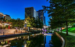 Fotos USA Haus Abend Texas Kanal Straßenlaterne Bäume Woodlands Waterway Städte